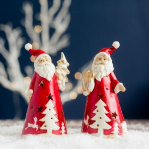 Set of 2 Red Ceramic Santa with Tree & Wreath